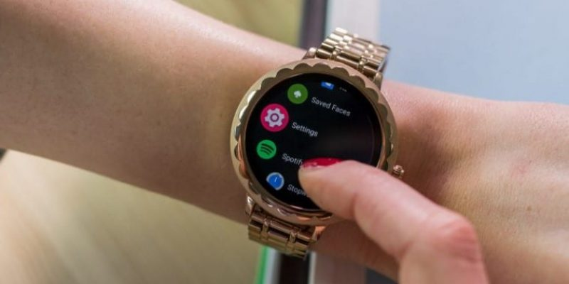 7 Best Smartwatches For Small Wrists in 2021